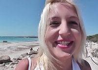 Strandschlampe in den Arsch gefickt