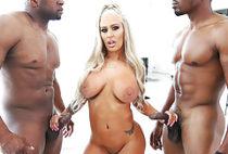 PAWG Brandi Bae loves interracial DP